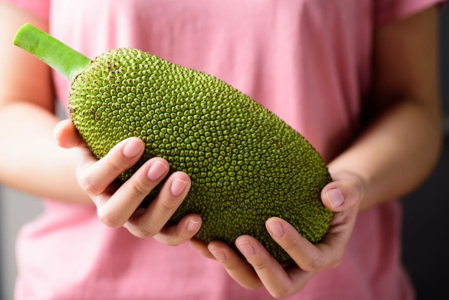 How to Tell If Jackfruit Is Ripe (And What to Do with if It's Unripe)